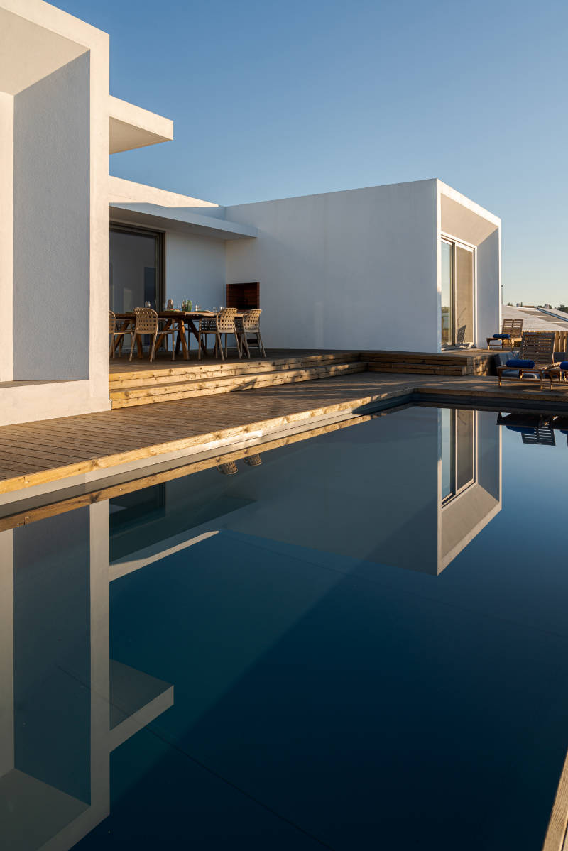 modern-villa-with-pool-and-deck-XBY3AMA.jpg