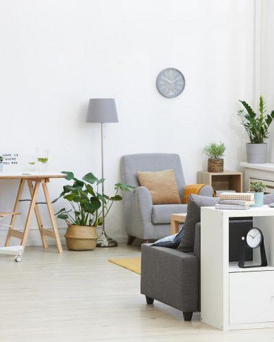 modern-living-room-in-the-house-N6QE4N7.jpg